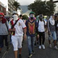 Venezuela, scontro al Senato. Casini: