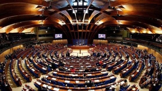 """Il Consiglio d'Europa attacca l'Italia: """"I politici incitano all'odio"""""""