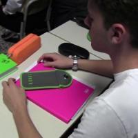 """Scuola: ipotesi divieto totale dell'uso dei cellulari in classe. Bussetti: """"Sì all'uso..."""