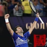 Tennis, Australian Open: Djokovic raggiunge Nadal in finale. Pouille travolto in 3 set