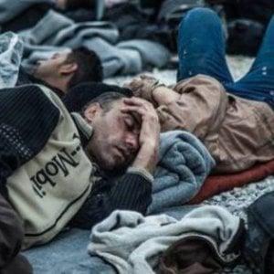 """La salute dei migranti, il rapporto dell'OMS-Europa: una """"foto"""" (tardiva) del drammatico presente"""