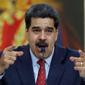 """Venezuela, Maduro: """"Pronto ad incontrare Guaidó"""". La risposta: """"Non accetterò un falso dialogo"""""""