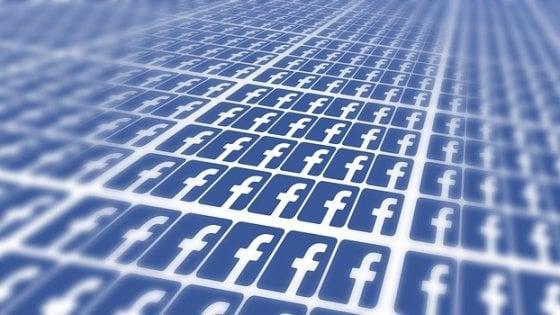 """Privacy, Altroconsumo su Facebook: """"I dati degli utenti usati per business, non innovazione"""""""