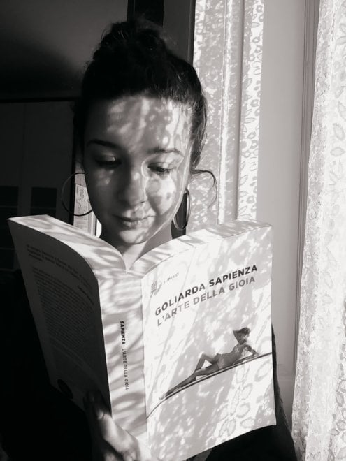 Un selfie con un libro / 4