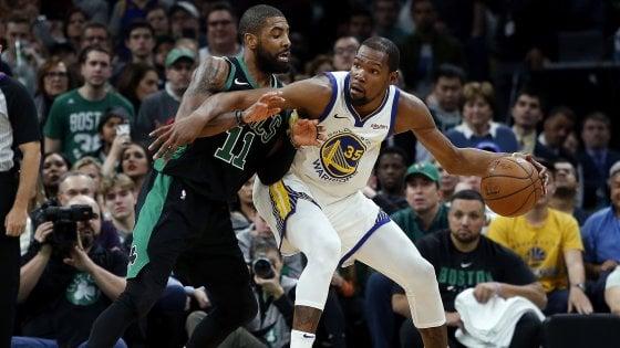 Basket, Nba: San Antonio torna a vincere, sorride Belinelli. Golden State ferma Boston