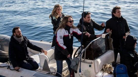Sea Watch: stop alla navigazione a mezzo miglio dall'imbarcazione