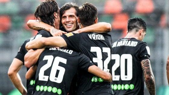 Serie B, il Brescia manca la vetta: 4-4 con lo Spezia. Pari Pescara, Venezia batte Padova