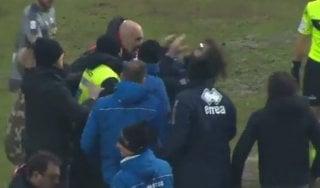 Serie C: far west in Lucchese-Alessandria: testata del tecnico Favarin e maxi-rissa in campo