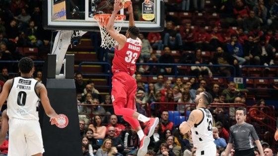 Basket, serie A: Milano non sbaglia, ma è ansia per James. Venezia seconda in solitaria