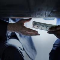 Corruzione, l'Italia risale lentamente la classifica ma è ancora lontana dai migliori