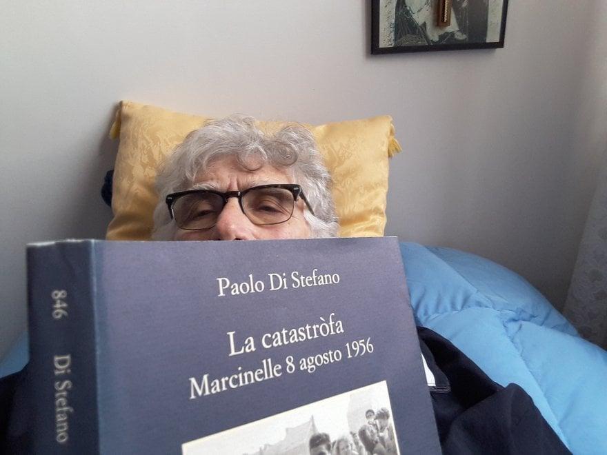 Un selfie con un libro / 8