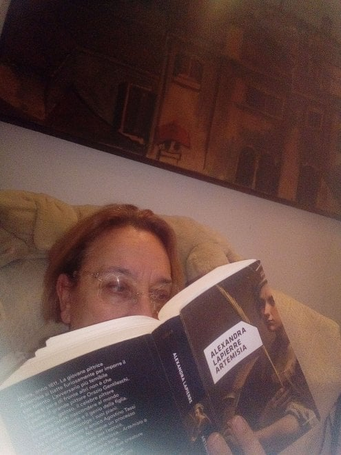 Un selfie con un libro / 10