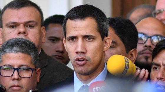 Venezuela, la procura generale vieta a Guaidó di lasciare il Paese