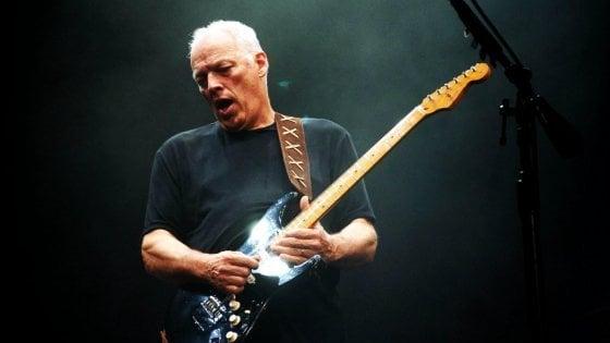 """Gilmour vende le sue chitarre per beneficenza: """"Spero che qualcuno possa inventarci un nuovo suono"""""""