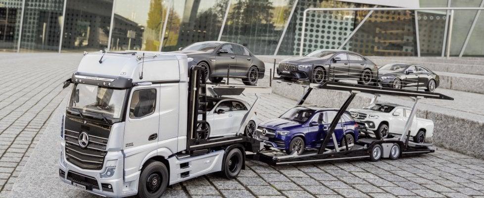 Modellismo senza limiti: riprodotta alla perfezione la bisarca porta auto