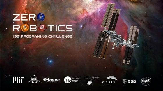 """Zero Robotics, da Vercelli a Napoli: le scuole italiane """"comandano"""" i robot in orbita"""