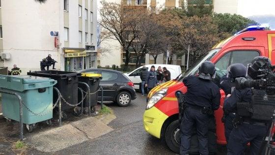Corsica, apre il fuoco sui vicini: un morto e cinque feriti. Poi si toglie la vita