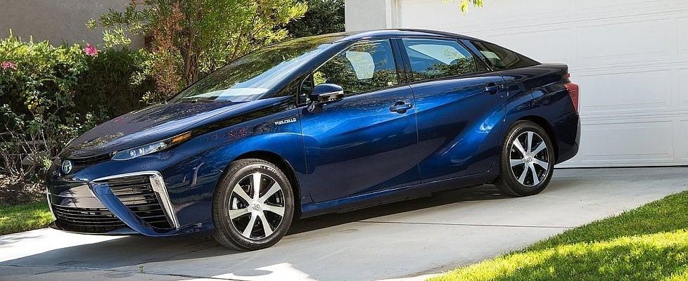 """""""Il futuro è dell'auto a idrogeno: un pieno da 600 km in 3 minuti"""""""