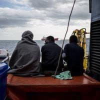 La Sea Watch 3 in porto a Catania, concluso lo sbarco dei 47 migranti