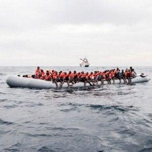 Migranti, la procura di Roma indaga per omissione di soccorso