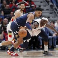 Basket, Nba: Denver e Portland continuano a correre, LeBron salta anche il derby