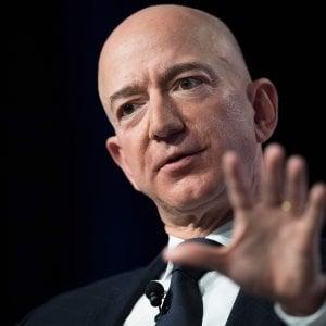 Amazon, nuovo record per gli utili. Ma deludono le aspettative sui prossimi mesi