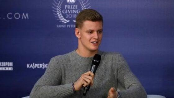 """F1, Mick Schumacher: """"Felice di essere il figlio del più grande pilota di tutti i tempi"""""""