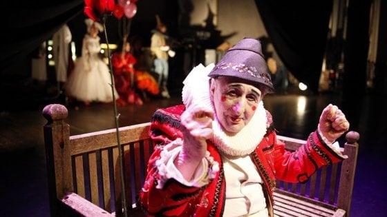 È morto Bobò, il gesto e l'anima del teatro di Pippo Delbono