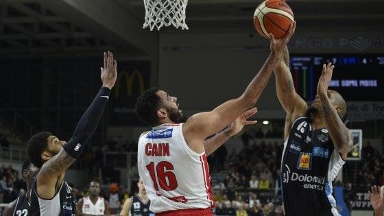 Basket, serie A: Trento si rilancia verso i play off, Varese battuta 74-71