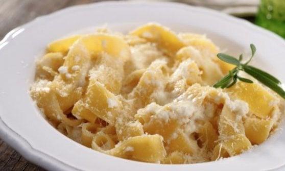Così una semplice pasta burro e Parmigiano è diventata un'icona globale