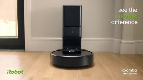 Arriva iRobot Roomba i7+, l'aspirapolvere smart che pulisce tutto da solo