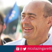 Zingaretti, manifesto della campagna per le primarie senza logo Pd. È polemica. E lui: