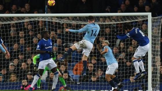 Inghilterra, il Manchester City batte l'Everton e aggancia il Liverpool
