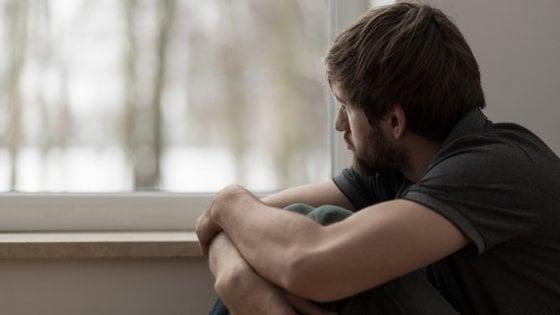 Morti per suicidio in calo in tutto il mondo, sono più uomini