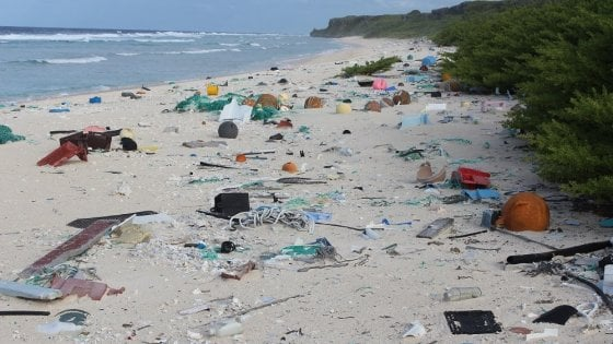 Dal riciclo al bicchiere smart, trenta modi per salvare il mare