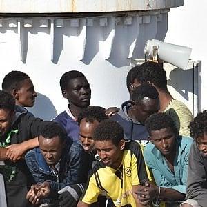 Tunisini in Italia, il sogno dell'integrazione: storie vere che raccontano le difficoltà di essere accolti