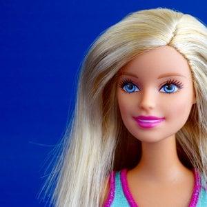 La rivincita di Barbie, la bambola da 1 miliardo di dollari fa volare i conti di Mattel