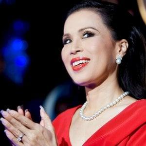 """Thailandia, una principessa in corsa per il ruolo di premier. Ma il re: """"È incostituzionale"""""""