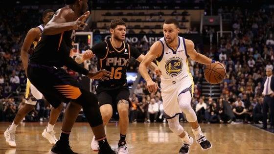 Basket, Nba: Golden State e Milwaukee non rallentano, Davis fischiato dai suoi tifosi