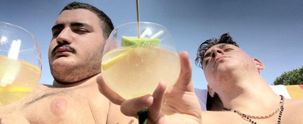 Risultati immagini per selfie film agostino ferrente