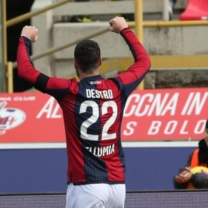 Bologna-Genoa 1-1, Destro torna al gol ma non basta