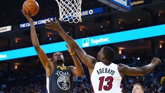 Basket Nba: Durant stende Miami, LeBron e Lakers travolti a Philadelphia