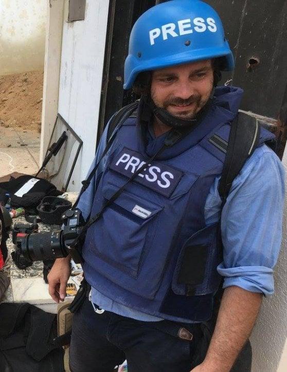 """Siria, ferito il fotografo italiano Gabriele Micalizzi. """"Non è in pericolo di vita"""""""