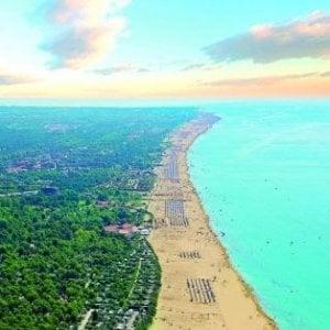 A Bibione vietato fumare su tutta la spiaggia: sarà la prima in Italia