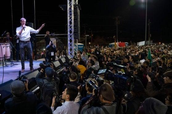 Beto e Trump a El Paso, a un passo dal Muro, sfida ravvicinata tra i due rivali