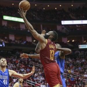 Basket, Nba: Westbrook nella storia, super Harden fa volare Houston