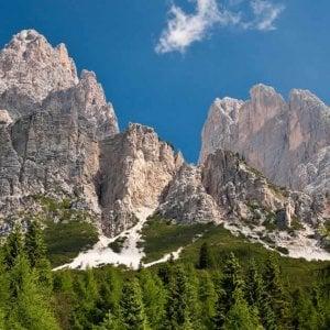 """Dolomiti """"montagne di Venezia"""", il logo scelto dal Veneto fa infuriare il Trentino"""