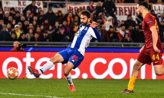 Champions, Roma-Porto 2-1: doppietta di Zaniolo, Adrian Lopez tiene in corsa i lusitani