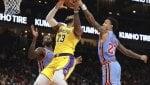 Basket, Nba: Lakers ancora ko, playoff sempre più a rischio