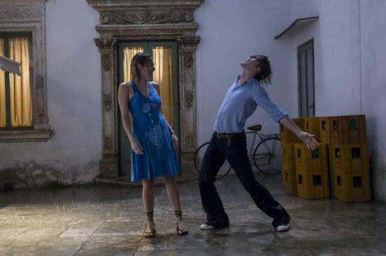 'Un'avventura', storia d'amore e musica sulle note di Mogol e Battisti